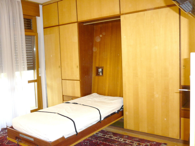 Studio in Meran, With Shared Pool and Furnished Balcony - 6 km From the Slopes, Bolzano