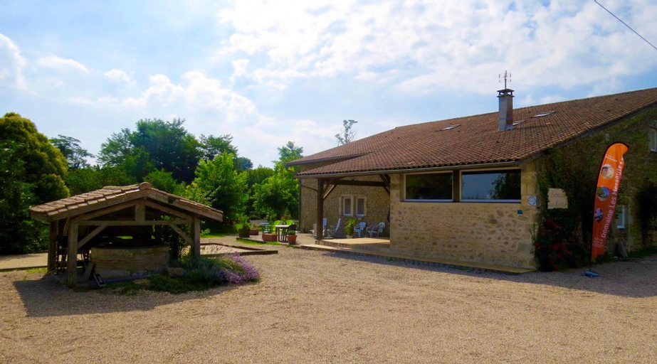 House With One Bedroom In Blaignac, With Pool Access, Furnished Garden And Wifi, Gironde