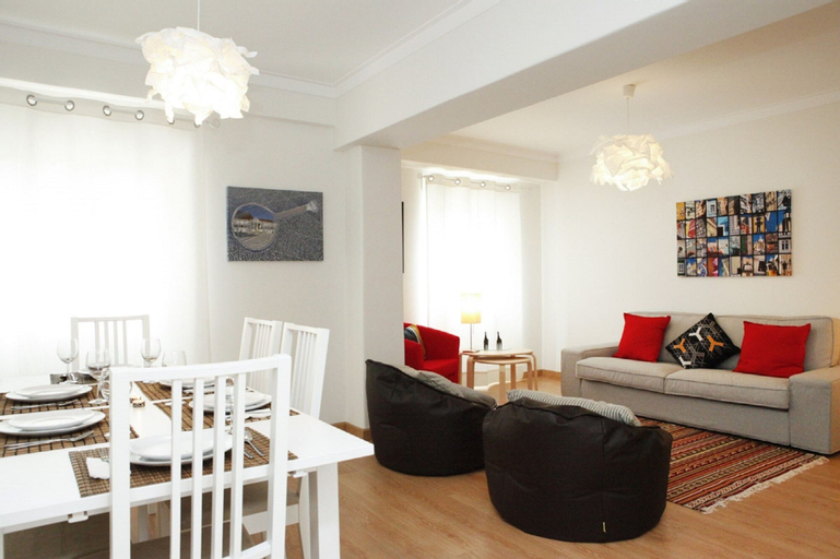Family Central Apartment in Sao Pedro do Estoril, Cascais