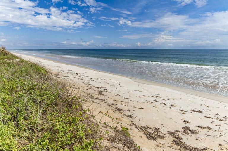 Island Retreat Upper B by Vtrips, Flagler