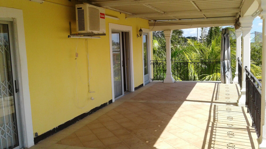 House With one Bedroom in Trou aux Biches Beach, With Furnished Garden and Wifi - 250 m From the Beach,