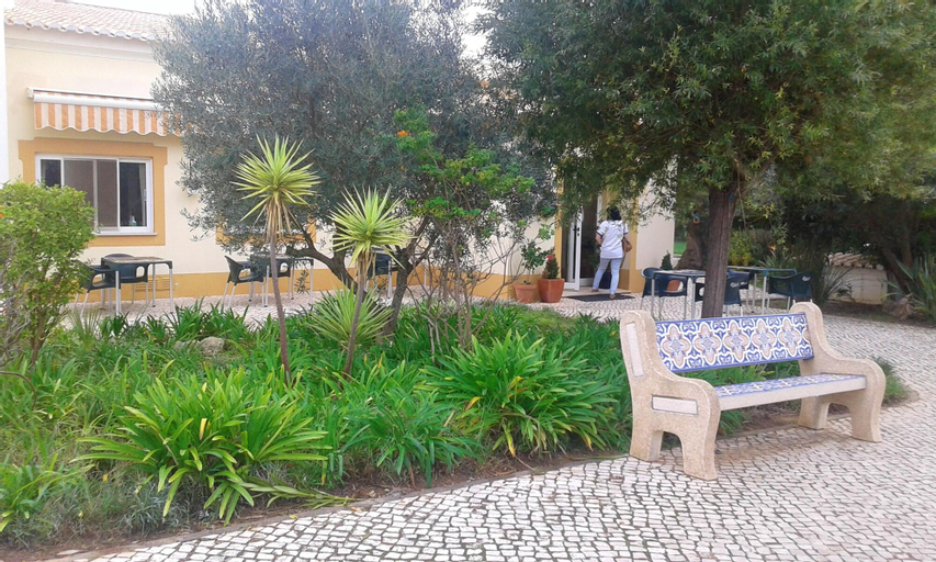 Apartment With 2 Bedrooms in Portimão, With Wonderful City View, Shared Pool, Enclosed Garden - 7 km From the Beach, Portimão