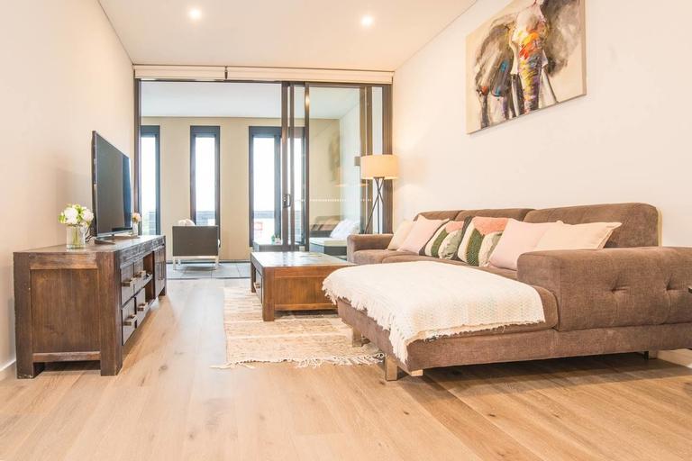 Oud Wood Apartment, Canada Bay - Drummoyne