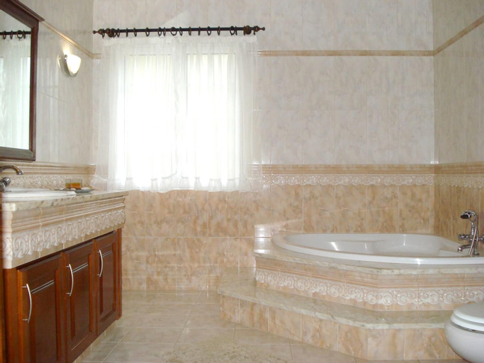 Apartment With 3 Bedrooms in Caloura, With Furnished Terrace and Wifi, Lagoa