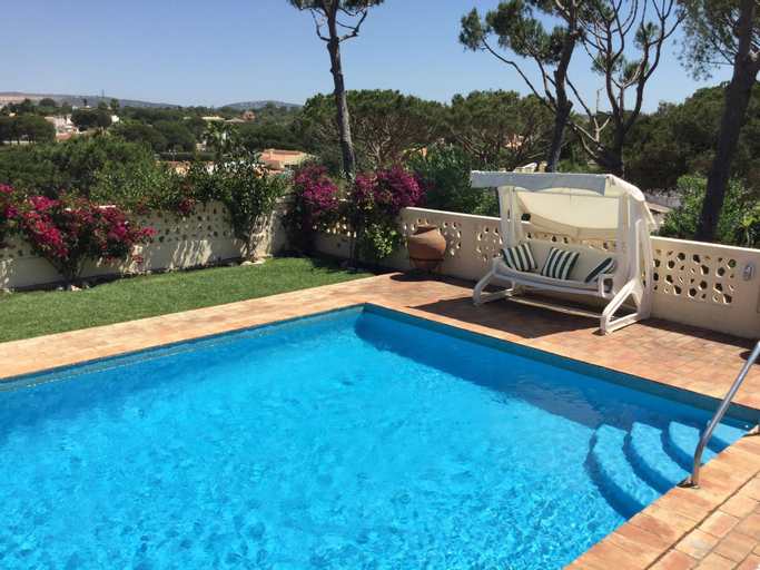 Villa With 4 Bedrooms in Vilamoura, With Private Pool, Enclosed Garden and Wifi - 3 km From the Beach, Loulé