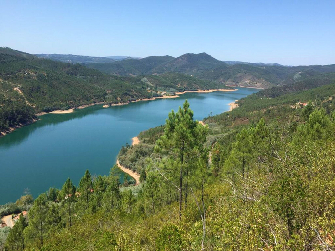 House With 3 Bedrooms in Cernache do Bonjardim, With Wonderful Lake View, Furnished Terrace and Wifi - 100 km From the Beach, Sertã