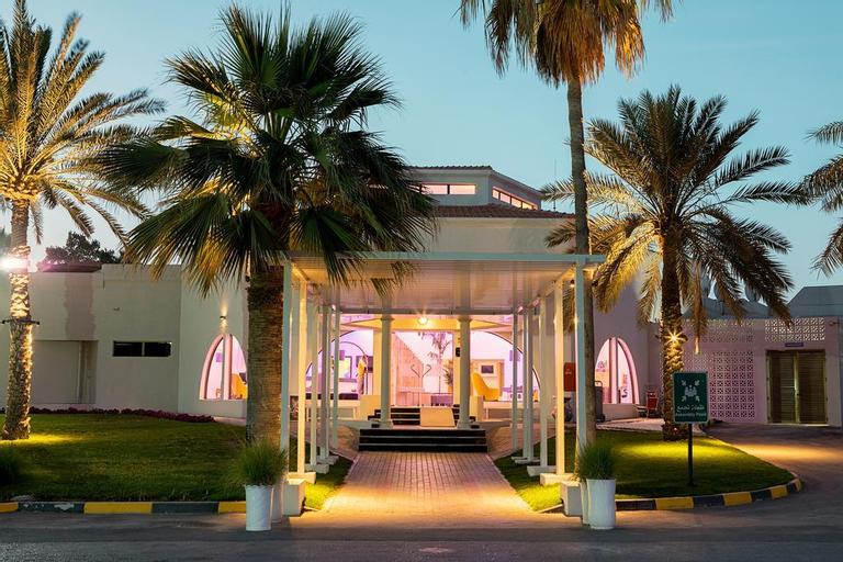 BM Beach Resort,