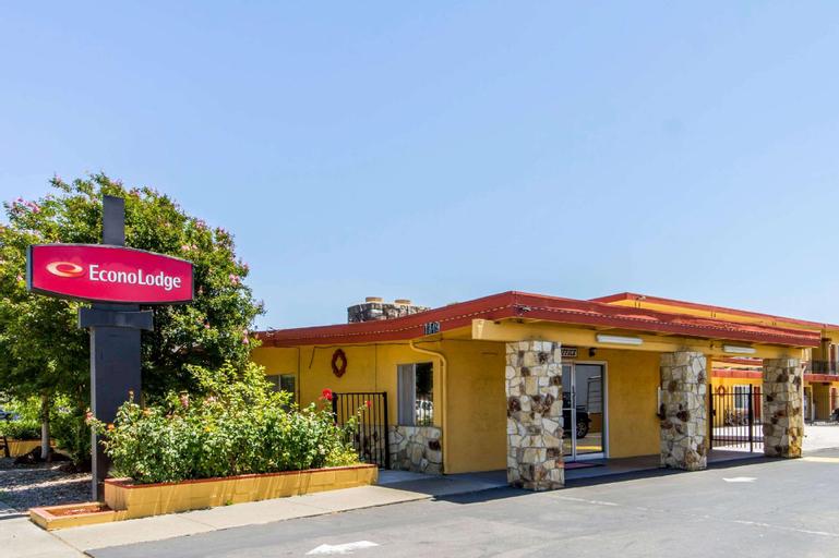 Econo Lodge, Solano