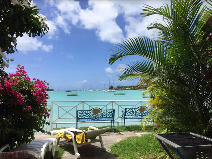 Apartment With 2 Bedrooms in Grand Baie, With Wonderful sea View, Enclosed Garden and Wifi - 350 m From the Beach,