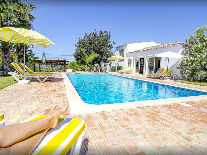 Villa with 6 bedrooms in Loule with wonderful sea view and private pool 12 km from the beach, Loulé