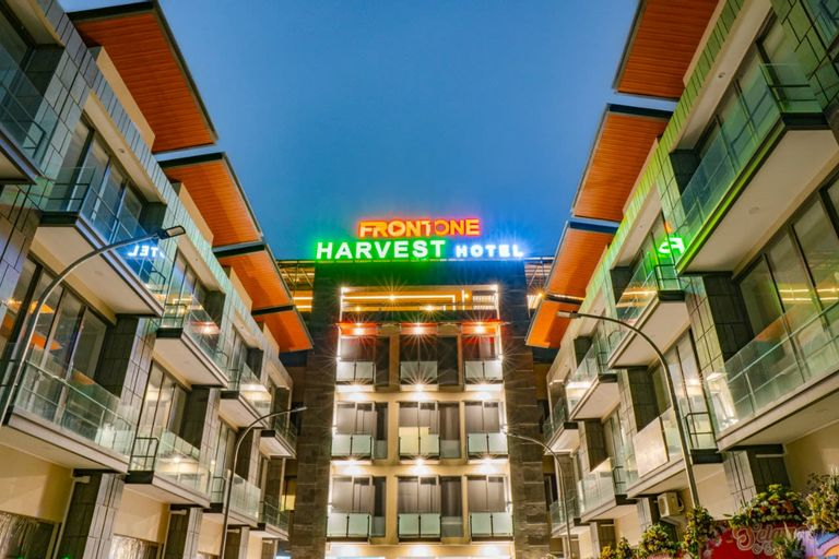 Front One Harvest Hotel Wonosobo, Wonosobo
