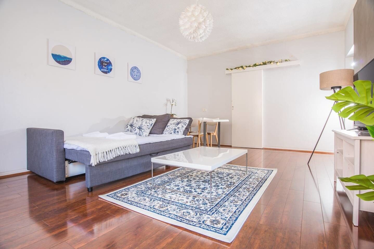 Vibrant And Colorful Apartment In Dollspoint, Rockdale
