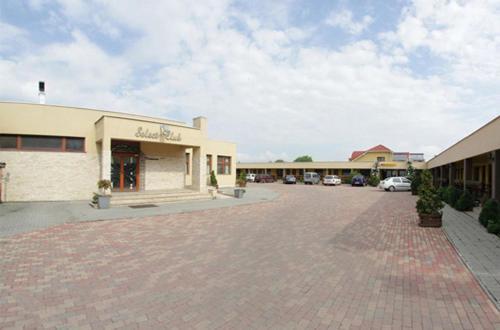 Motel Select, Satu Mare