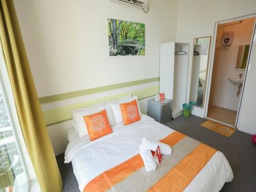 OYO 221 Olive Hotel, Johor Bahru