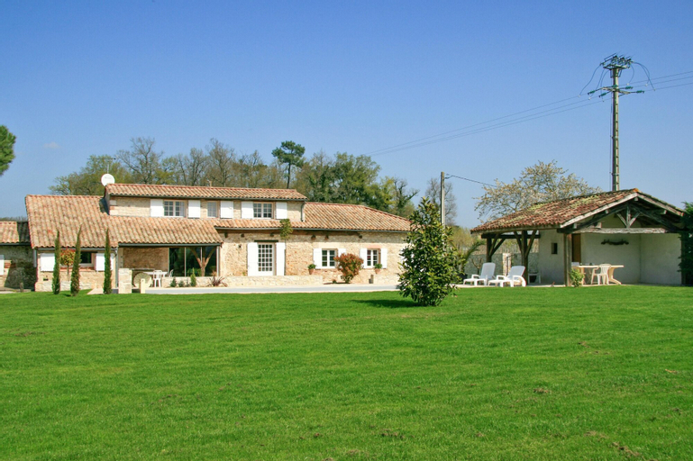 Villa With 4 Bedrooms In Saint Sylvestre Sur Lot, With Private Pool, Enclosed Garden And Wifi - 200 , Lot-et-Garonne