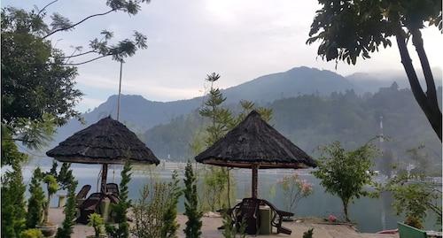 Pandu Lakeside Hotel Parapat - Toba Lake, Toba