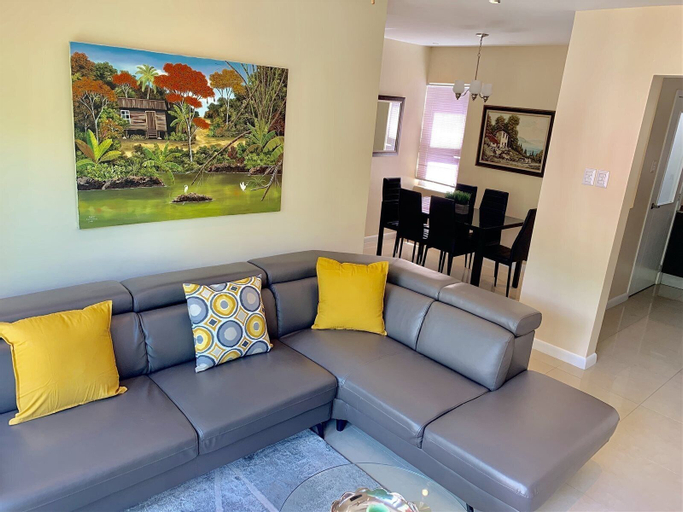 Modern 3 Bedroom Condo In Gated West Hills 5,