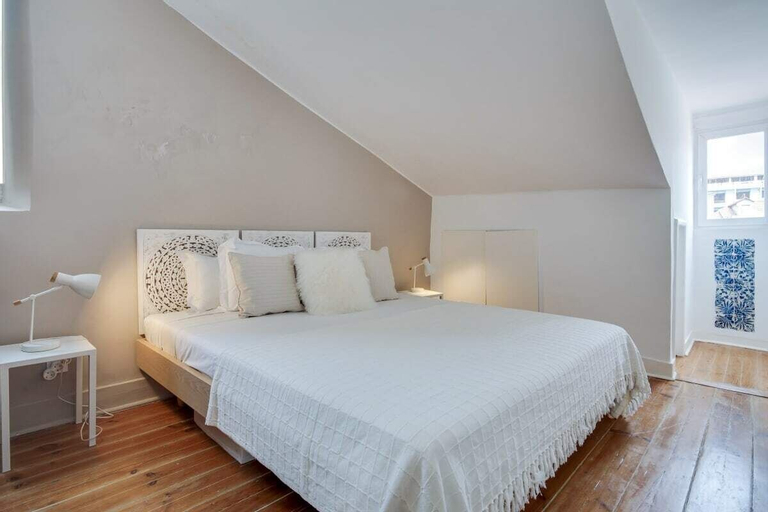1 Bedroom Apartment in Lapa w/ Terrace &river View, Lisboa