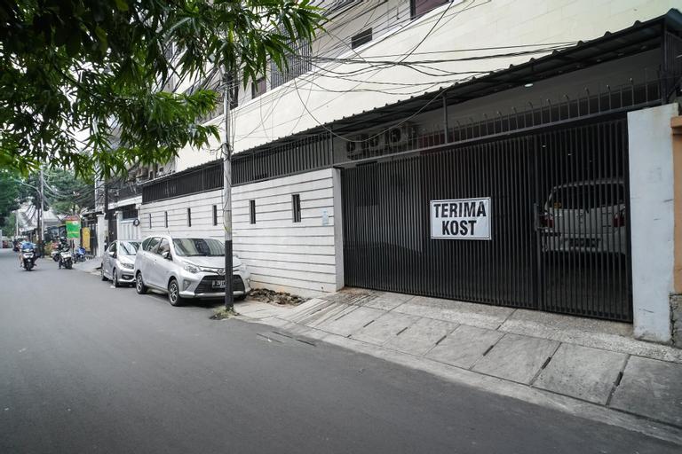 KoolKost near Universitas BINUS, West Jakarta