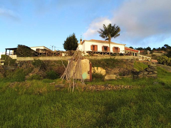 House With 2 Bedrooms in Fajã da Ovelha, With Wonderful sea View, Terr, Calheta