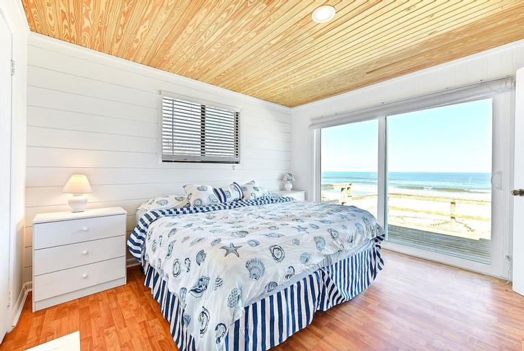 Harmony Beach House Ocean Front by Vtrips, Saint Johns