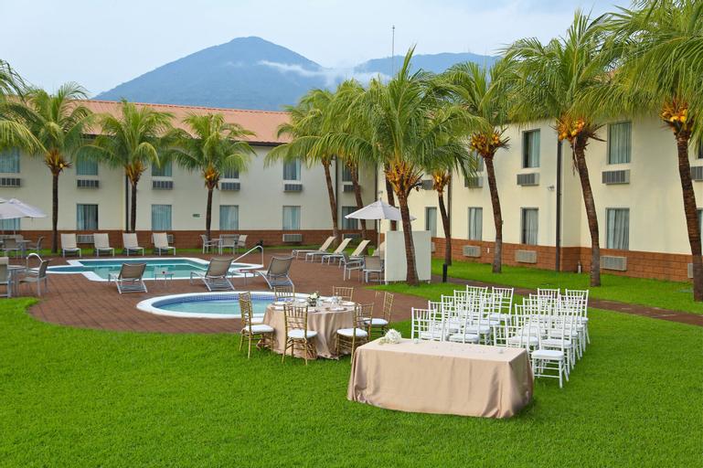 Comfort Inn Real La Union, La Unión