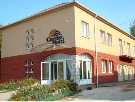 Carrier Hotel, Komárom