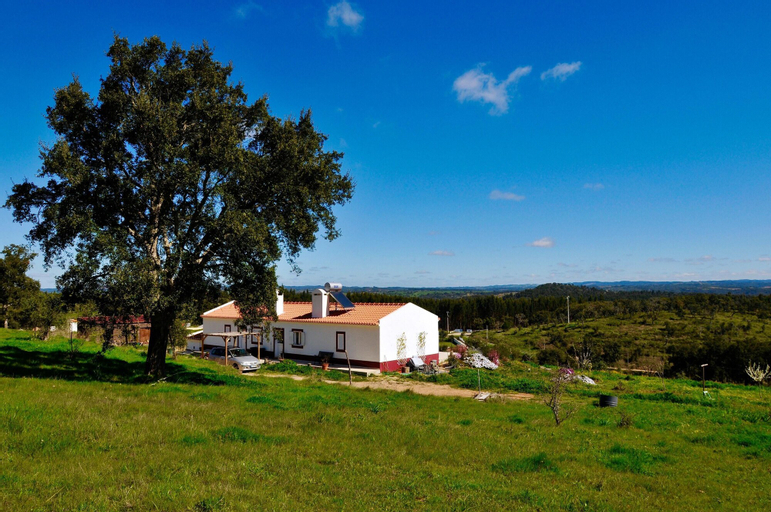 Villa With 2 Bedrooms in Zambujeiras, With Wonderful Mountain View, Private Pool, Furnished Garden - 20 km From the Beach, Odemira