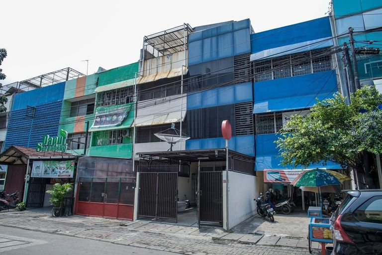 RedDoorz @ Jalan Biak Roxy Jakarta, Central Jakarta