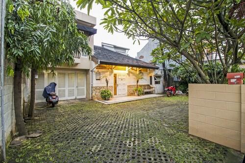 RedDoorz @ Mampang Prapatan, Jakarta Selatan