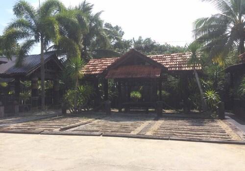 Bali Homestay, Ledang