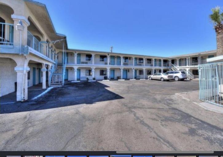 Stardust Motel, La Paz
