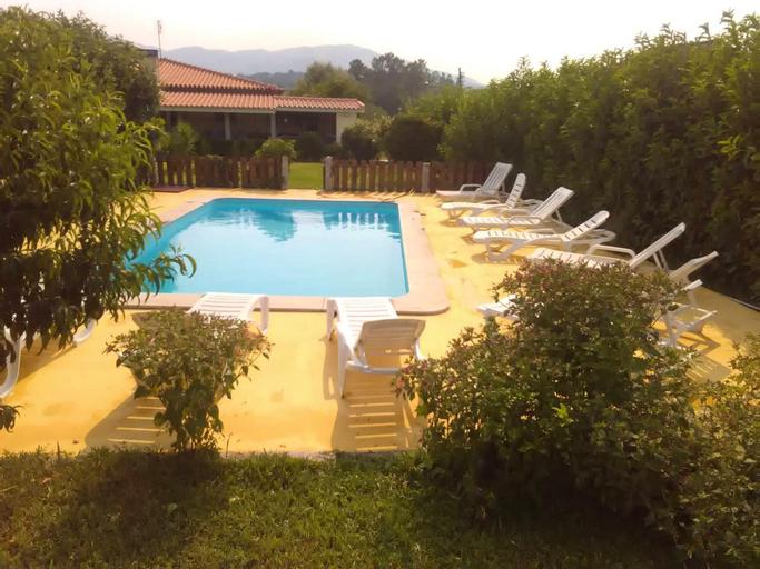 Villa With 6 Bedrooms in Santa Cruz do Lima, With Wonderful Mountain View, Private Pool, Enclosed Garden, Ponte de Lima