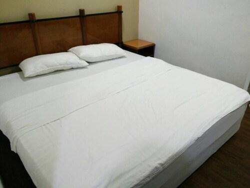 B Residence, Manjung