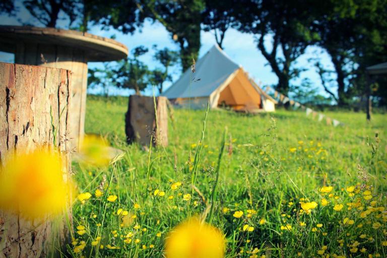 The Dalai Llama Glamping Bell Tent - Family Zone, Durham