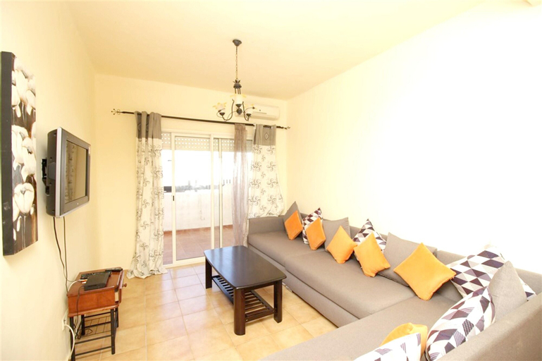 Apartment With 2 Bedrooms in Tetouan, With Shared Pool, Furnished Terrace and Wifi - 200 m From the Beach, Tétouan