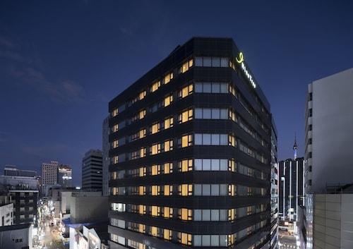 Nine Tree Hotel, Jung