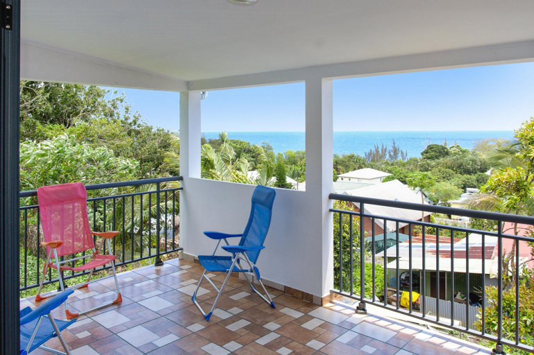 House With 2 Bedrooms in Sainte Rose, With Wonderful sea View, Furnished Garden and Wifi - 2 km From the Beach, Sainte-Rose