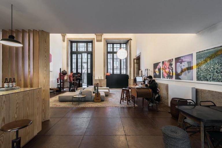 The Passenger Hostel, Porto