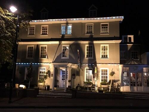 Georgian Hotel, Surrey