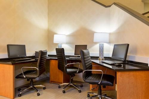 Best Western Plus BWI Airport North Inn Suites, Anne Arundel