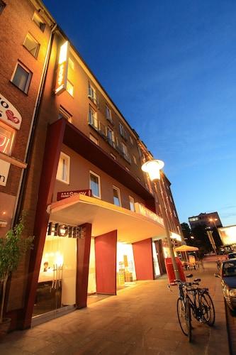 Novum Hotel Savoy Hamburg Mitte, Hamburg