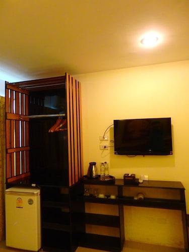 Pohseen Tower Inn, Muang Samut Prakan