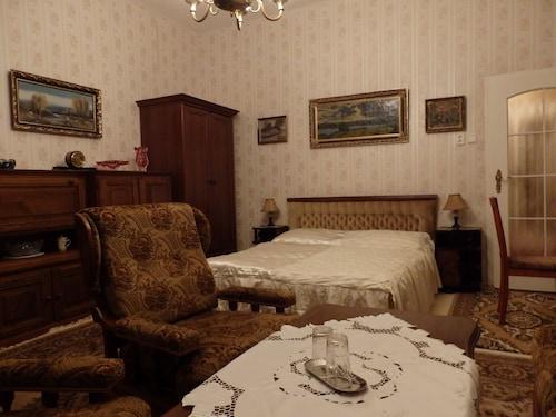Bed and Breakfast Villa Madona, Praha 4