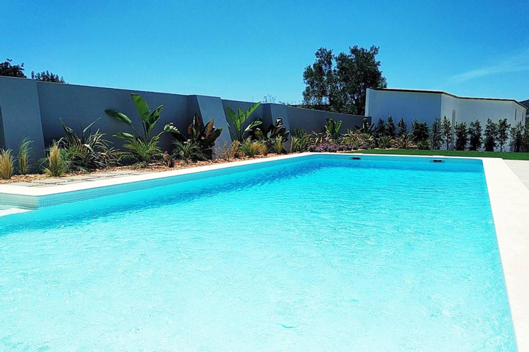 Apartment With 2 Bedrooms in Estói, With Shared Pool, Enclosed Garden and Wifi - 14 km From the Beach, Faro