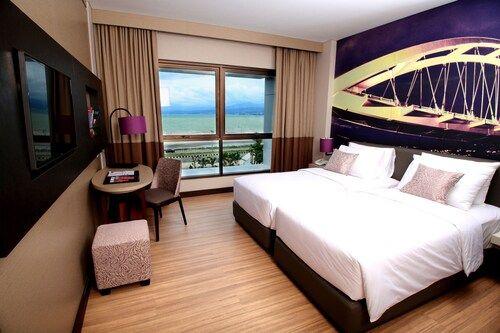 Mercure Palu Hotel, Palu
