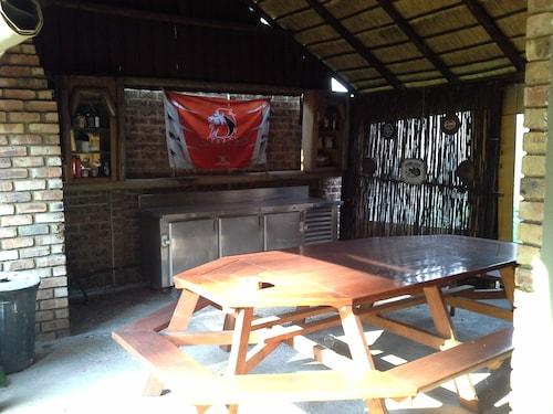 Unique House, Ekurhuleni