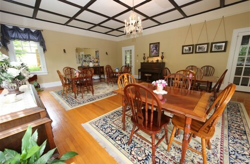 Aunt Adeline's Bed and Breakfast, Henderson