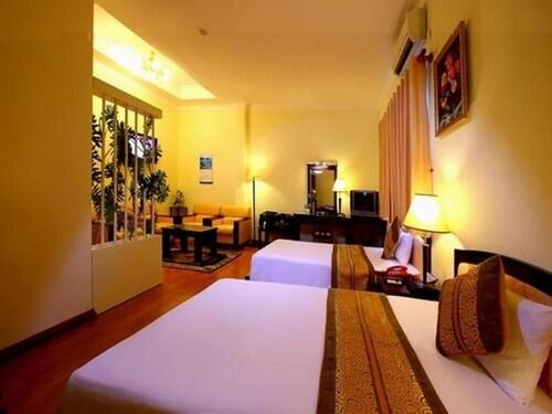 Ngoc Lan Hotel, Quận 10