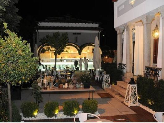 Life Gallery Hotel, Korçës